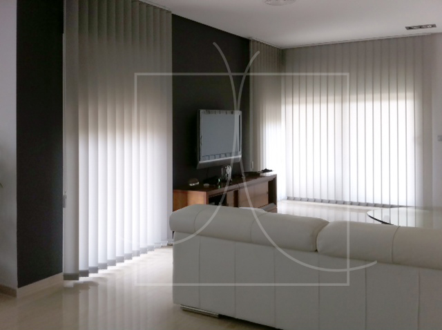 Novedades en cortinas y estores cortinadecor for Cortinas salon blanco y gris